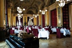 Genuss in besonderem Ambiente – Das Restaurant Opera Foto: Restaurant Opera