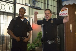 Let`s be Cops – Die Party Bullen
