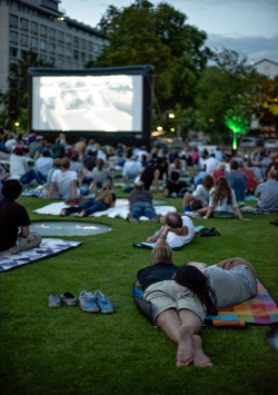 Open-air cinema at Städel Garten shows heroes of history
