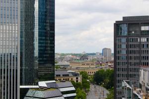 Filming over the rooftops of Frankfurt