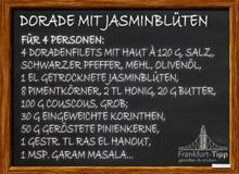 Dorade mit Jasminblüten und Piment gebraten, auf Pinien-Couscous und Veilchenessig-Glace